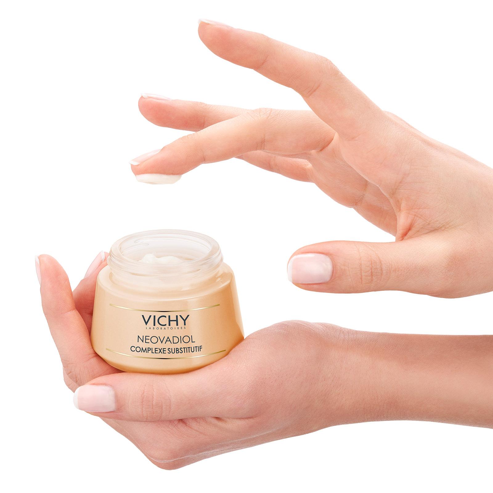 COMPLEJO SUSTITUTIVO Cuidado reactivador de la juventud para pieles maduras Pieles normales a mixtas