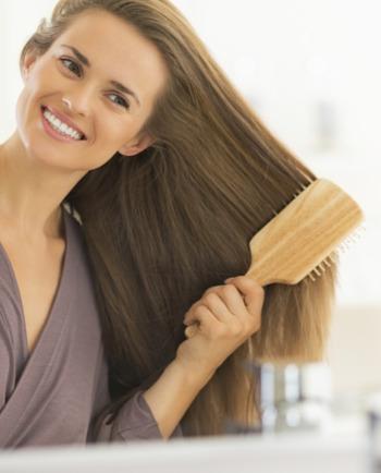 Cómo peinar cabellos secos sin debilitarlos