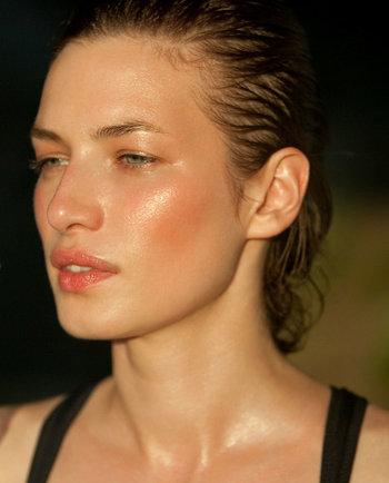 ¡Adiós piel grasosa! Rutina de cuidado de la piel para el verano