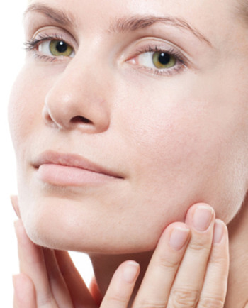 Cómo aplicar los productos antiarrugas correctamente