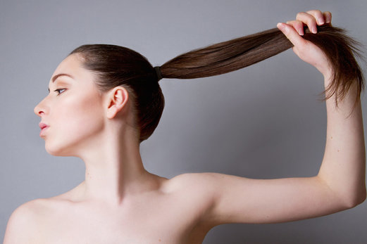 3 formas de combatir el adelgazamiento del cabello después de los 40