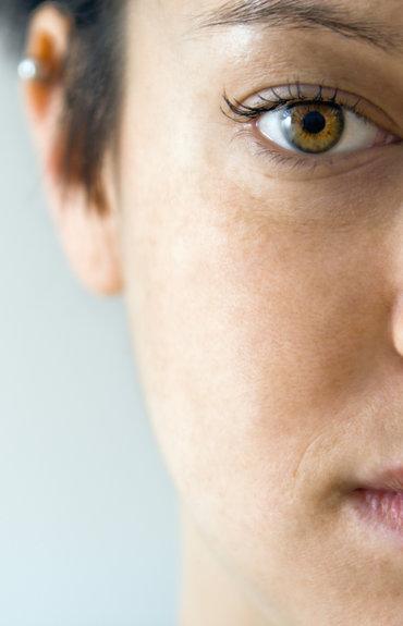 6 trucos para evitar el brillo excesivo de tu piel