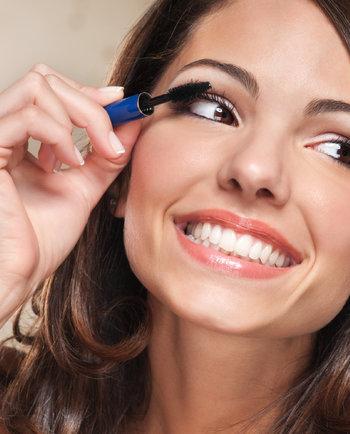 Tomá nota: trucos de maquillaje para pieles con imperfecciones