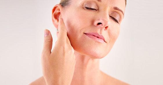 La menopausia: ¿por qué mi piel se siente más seca a los 50 que a los 30?