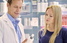 3 razones para consultar en la farmacia si tienes el cuerpo cabelludo sensible