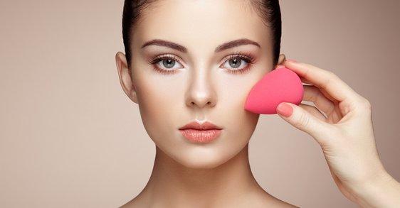 ¿Cómo elegir una base de maquillaje correcta?