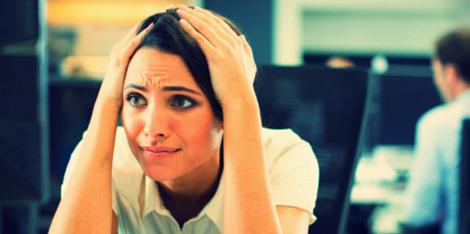 5 situaciones estresantes que alteran la salud de tu cuero cabelludo