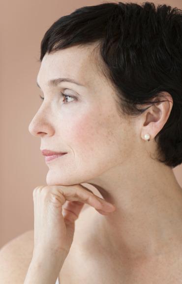 ¿Cómo deshacerse de manchas oscuras de la piel?