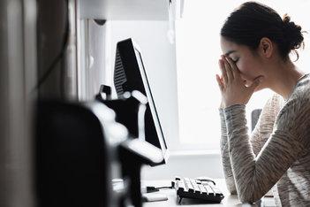 ¿El stress puede causar acné y erupciones en la piel?