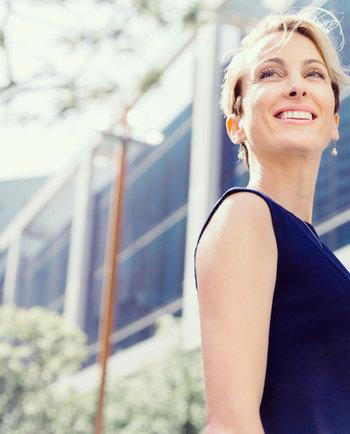 3 razones para la falta de brillo de la piel (y 3 formas de evitarla)
