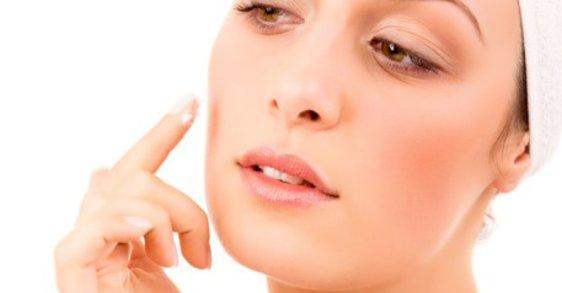 Aprende a prevenir las bolsas y ojeras